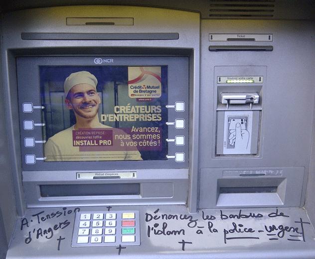 banque-rennes-guichet-islamophobie