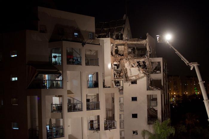 Fajr-5 Rocket Hits House in Rishon LeZion, November 20