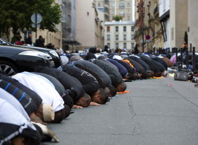 FRANCE-RELIGION-MUSLIM-EID