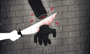 the-murderer-get-his-hand-001