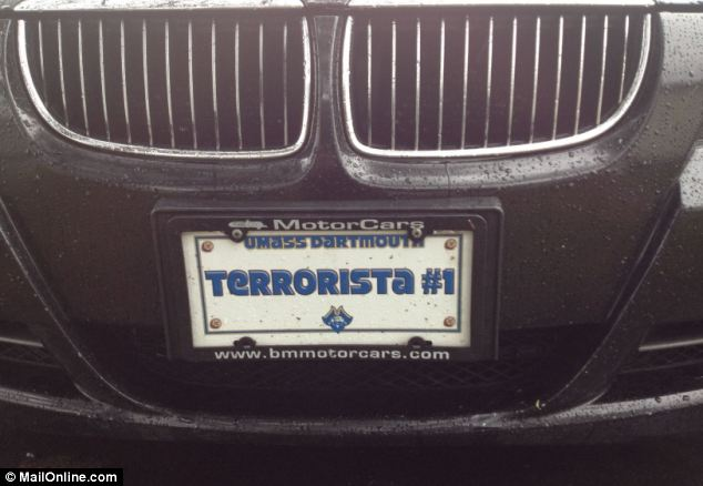 CLOSE-UP OF LICENSE PLATE
