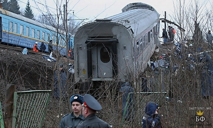 Moscow-St.Petersburg Express, derailed by Chehen Muslims using explosives – 26 people were killed