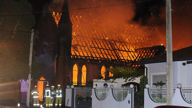422655-fire-at-the-trinity-youth-college-in-dulwich-hill