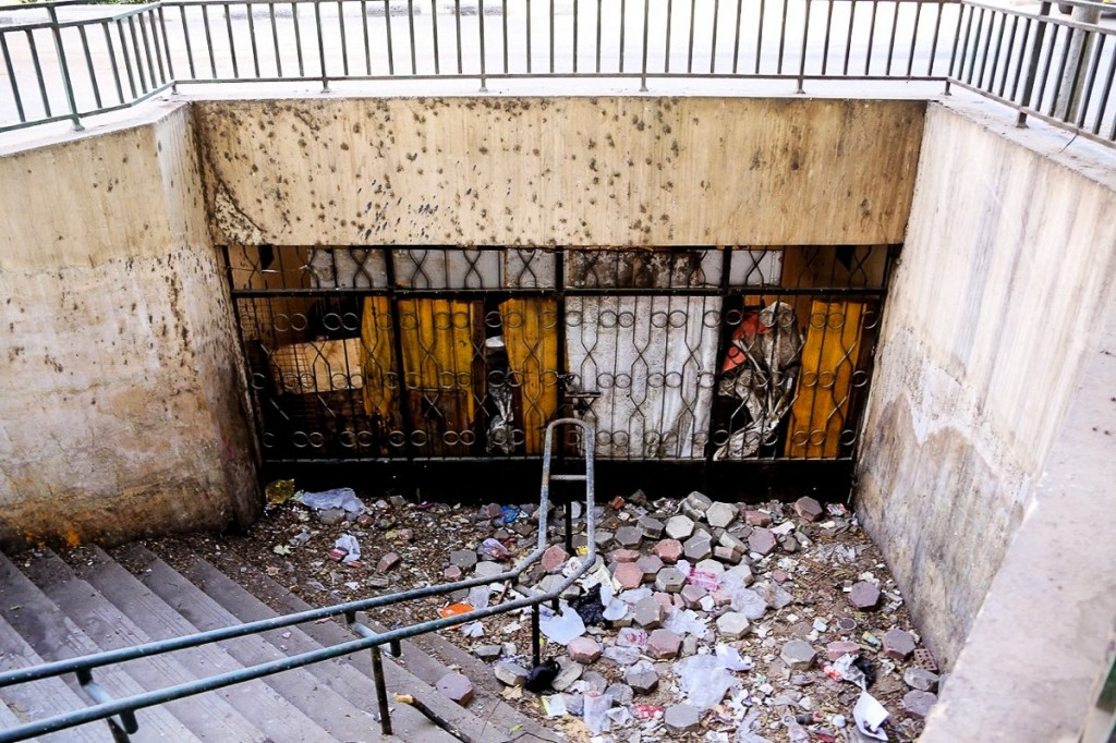 the-cairo-subway-skips-stops-suffers-from-power-outages-and-is-bogged-down-with-protesters-and-thugs-1