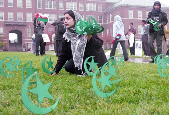 """Muslim students """"decorating"""" the lawn of their Minnesota school with the symbol of Islam"""