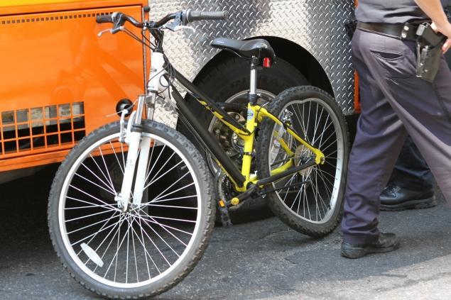 Olivio's damaged bike