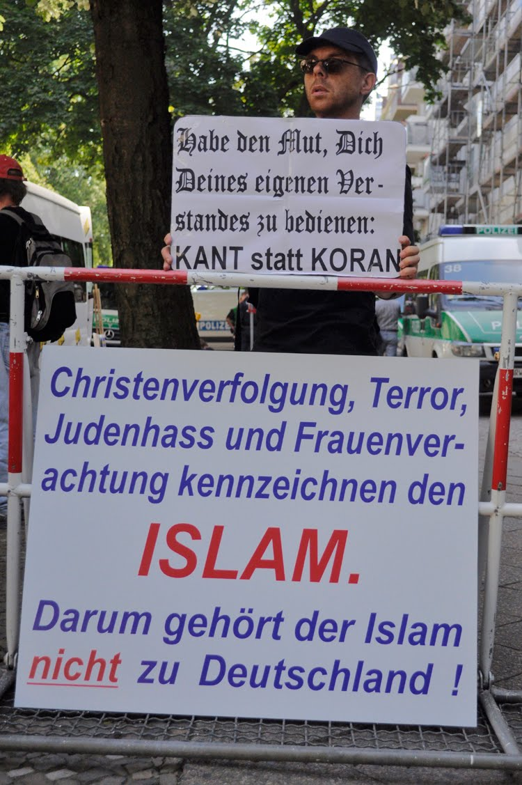 Have the courage to use your own understanding: Kant instead of Koran. Persecution of Christians, terror, Jew hatred and contempt for women characterise Islam. Therefore Islam is not a part of Germany.