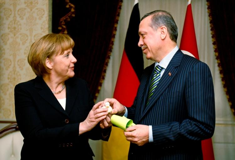 ENG_Erdogan_Merkel_278440a