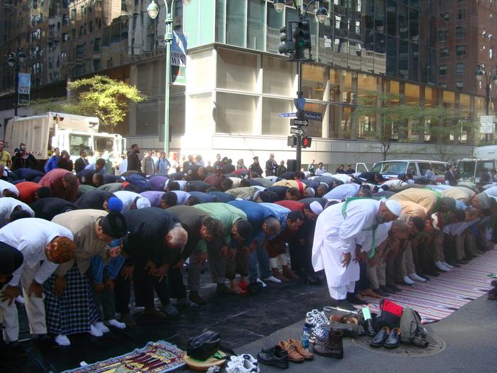 islamist_day_parade_101208_102