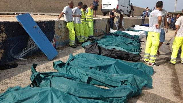 309-death-in-the-boat-tragedy-of-lampedusa