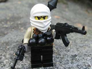 1_61_terrorist_lego3