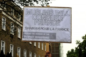 1348425635-hardline-islamists-protest-outside-the-french-embassy-in-london_14672841