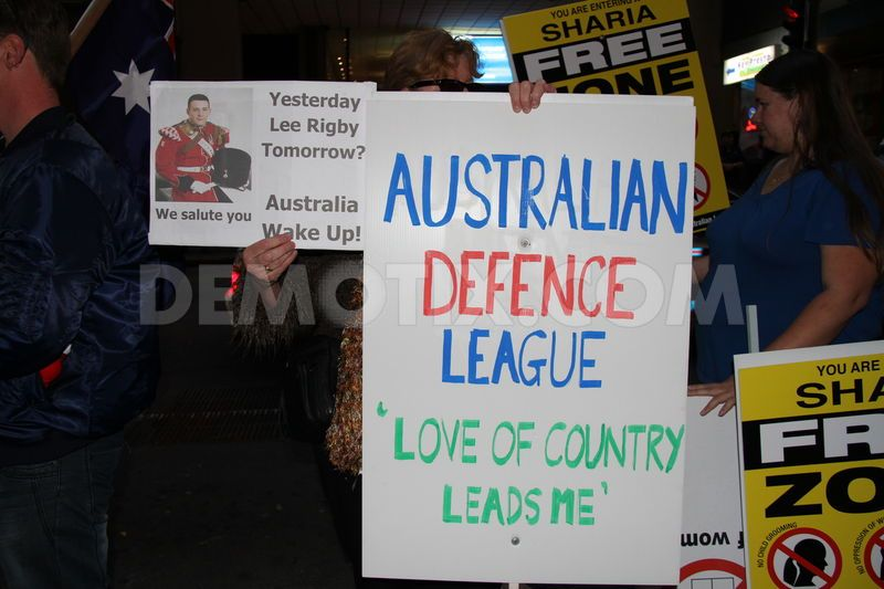 1382682999-australian-defence-league-rally-supports-murdered-woolwich-soldier_2081555