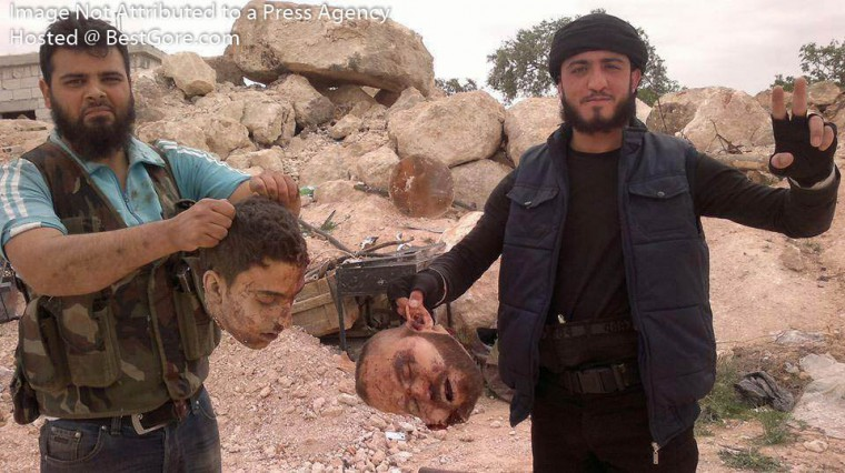 syria-army-soldier-executed-in-idlib-01-e1404665790729