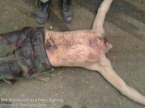 syria-army-soldier-executed-in-idlib-14