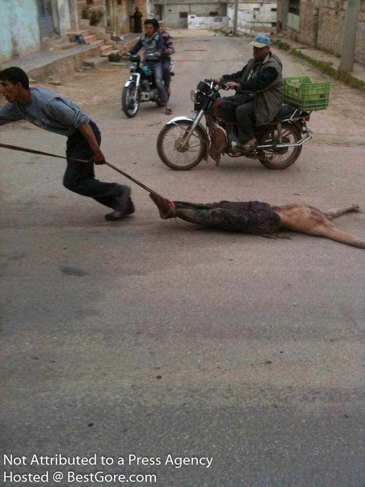 syria-army-soldier-executed-in-idlib-15