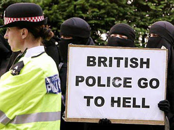 muslims-british-police-hell1