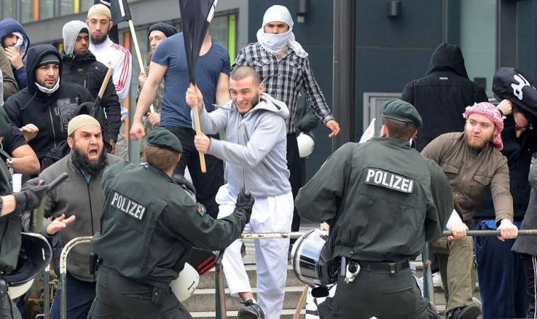 Muslims clash with police in Germany