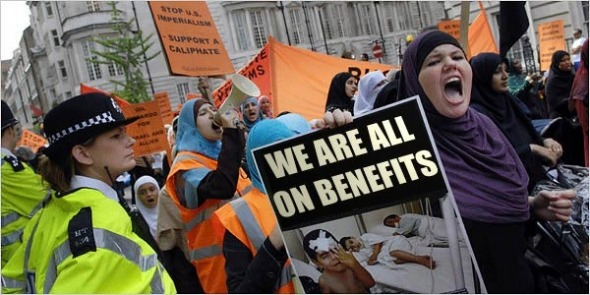 muslim-terrorists-wives-welfare-benefits4