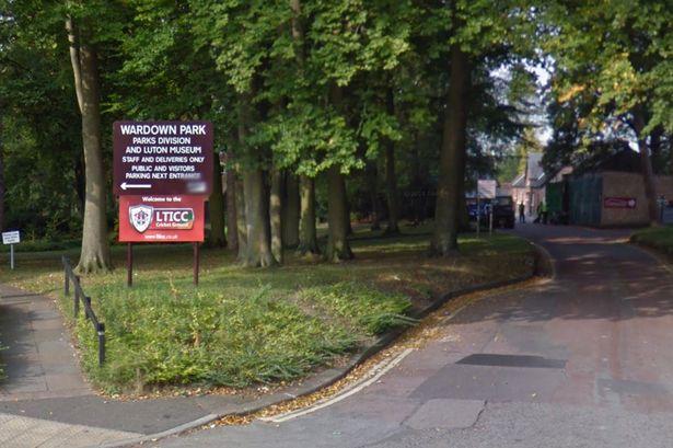 The-entrance-to-Wardown-Park-Luton