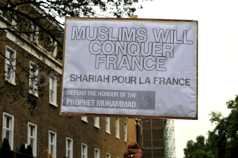 1348425635-hardline-islamists-protest-outside-the-french-embassy-in-london_146728411