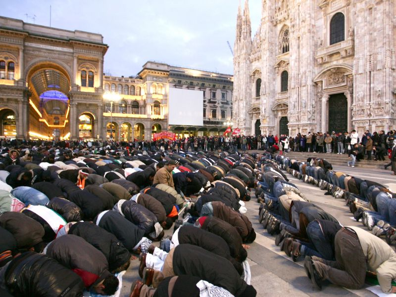 Muslims praying in Milan