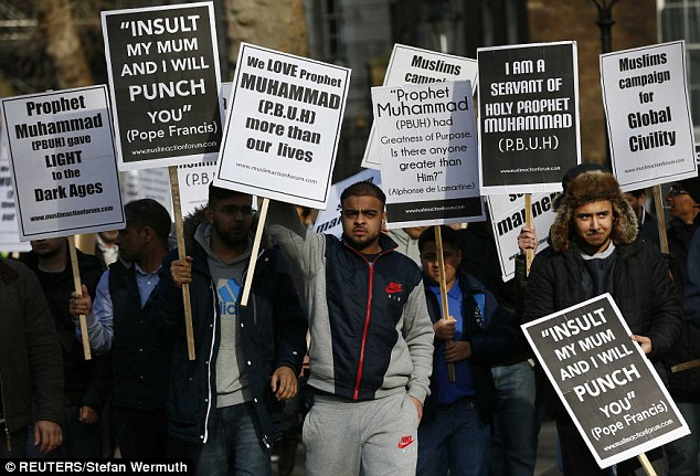 25782F7B00000578-2944946-The_rally_was_organised_by_the_Muslim_Action_Forum_which_express-a-71_1423424893597