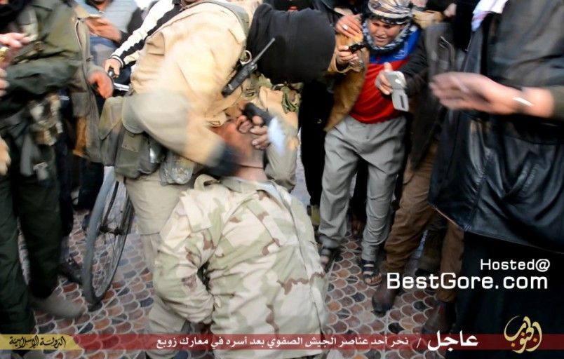 isis-executes-soldier-fallujah-03-1024x652