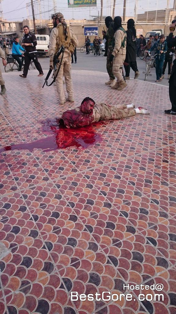 isis-executes-soldier-fallujah-08-576x1024