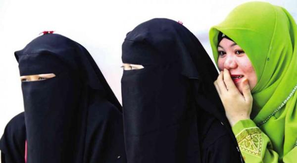 28_muslim-women