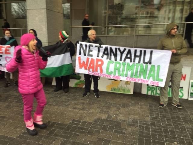 Medea Benjamin, Hamas-supporting Judenrat