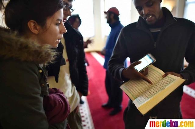 20150202140942-kenalkan-islam-muslim-di-inggris-undang-warga-berkunjung-ke-masjid-006-nfi