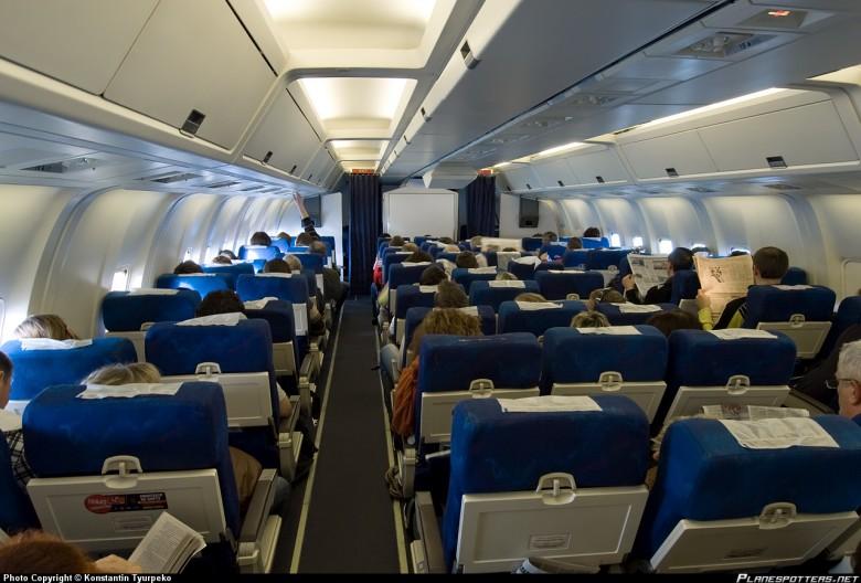 EI-DBW-Transaero-Airlines-Boeing-767-200_PlanespottersNet_127721