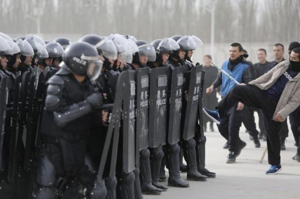 0704-feats-uighur-terrorists_620_412_100