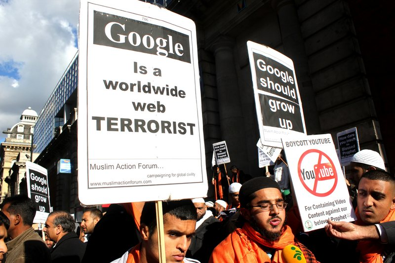"""London, United Kingdom. 14th October 2012 -- Muslims calling for Google to remove the film """"Innocence of Muslims"""" from YouTube demonstrate outside Google's current HQ in Victoria,London. -- Muslims calling for Google to remove the film """"Innocence of Muslims"""" from YouTube, demonstrate outside Google's current HQ in Victoria,London."""