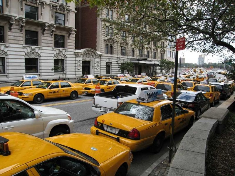 Muslim cabbies illegally parked in front of mosque in NYC