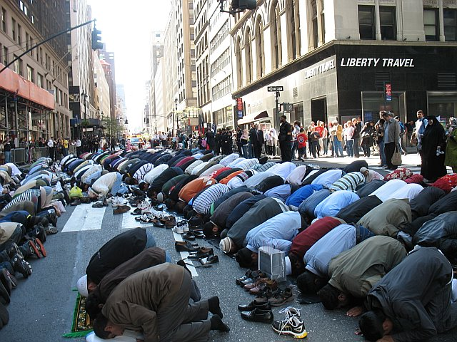 Muslims make it a habit of desecrating New York City by blocking traffic to lift their asses to Allah