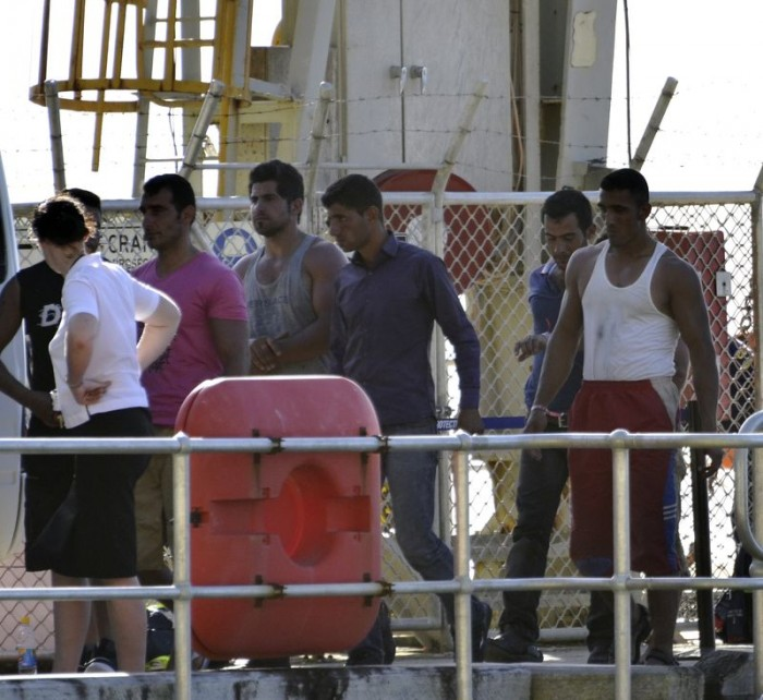 Muslim illegal aliens arriving in Australia and heading straight for the Centrelink office