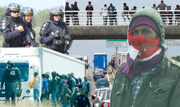 Calais-migrant-crisis-585189