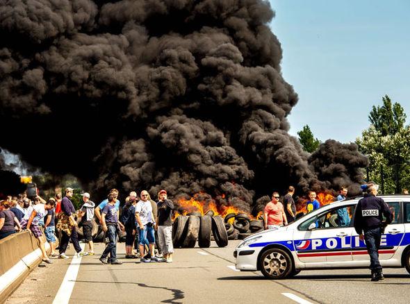 Calais-migrants-325350