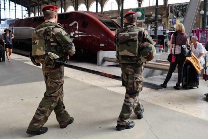 1440247562_10002461+APTOPIX+France+Train+Attack+362325247