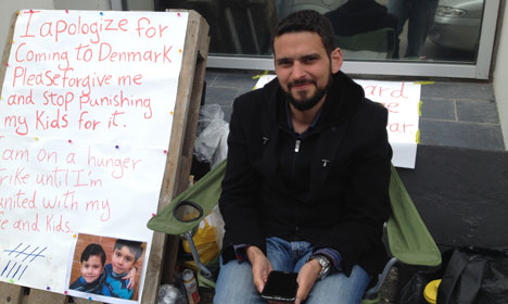 Syrian invader Omar Martini staged a hunger strike outside of the Danish Immigration Service (Udlændingestyrelsen - DIS) office for nine days The 35-year-old was protesting the fact that seven months after he had applied for family reunification to bring his wife and two boys, aged five and eight, to Denmark, he had not heard a response. He has since gotten permission to bring his litter to Denmark