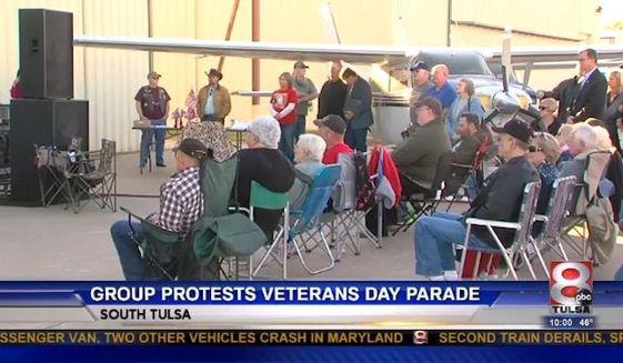 tulsa_veterans_parade_c13-0-627-358_s561x327