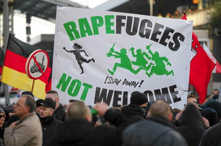 """Résultat de recherche d'images pour """"anti rape demo koeln"""""""