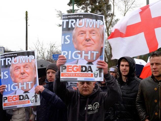 donald-trump-sign-england-islam2
