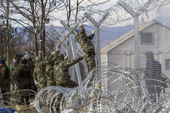 Border fence against migrants going up in Latvia