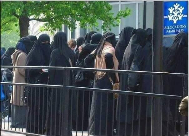 Muslim women In front of the welfare office