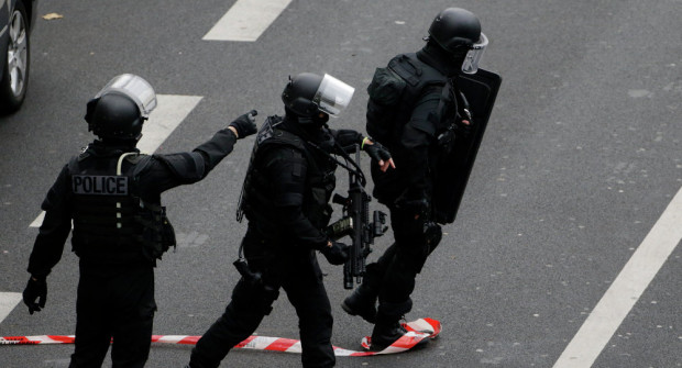 French-Police-Swat-Team-620x335