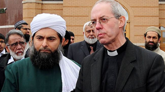 Archbishop of Canterbury Justin Welby (right)