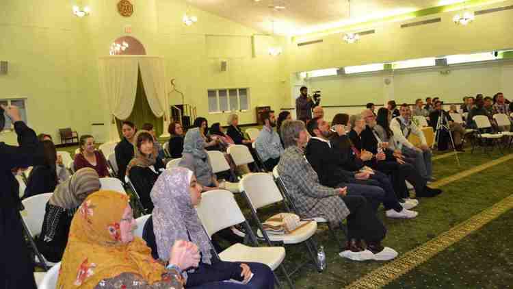 chi-ugc-ugc-relatedphoto-islamic-center-of-wheaton-open-mosque-day-d-2016-05-11